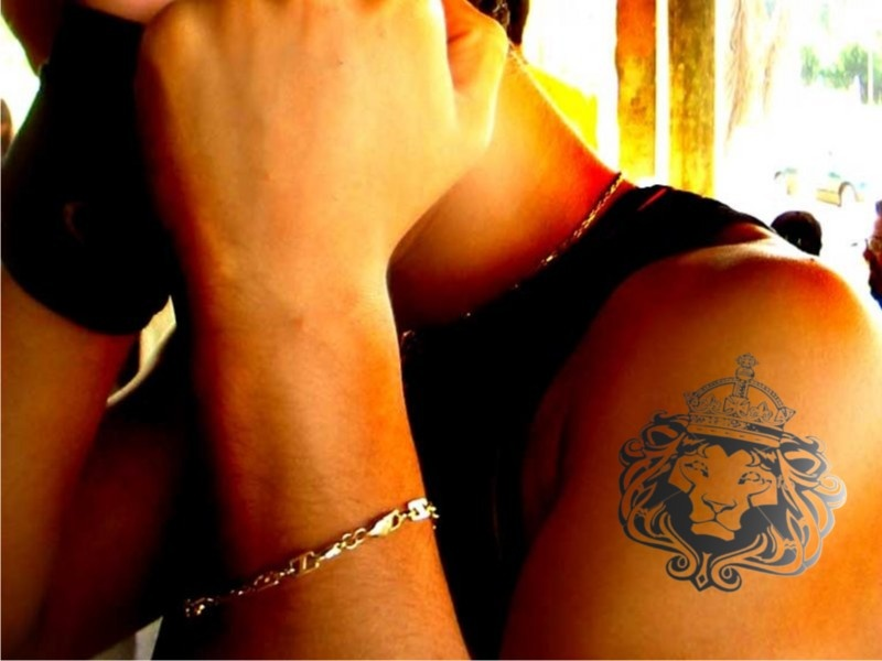 Rasta legend Bob Marley lion tattoo · Mad Props - Tattoo and Piercing Shop